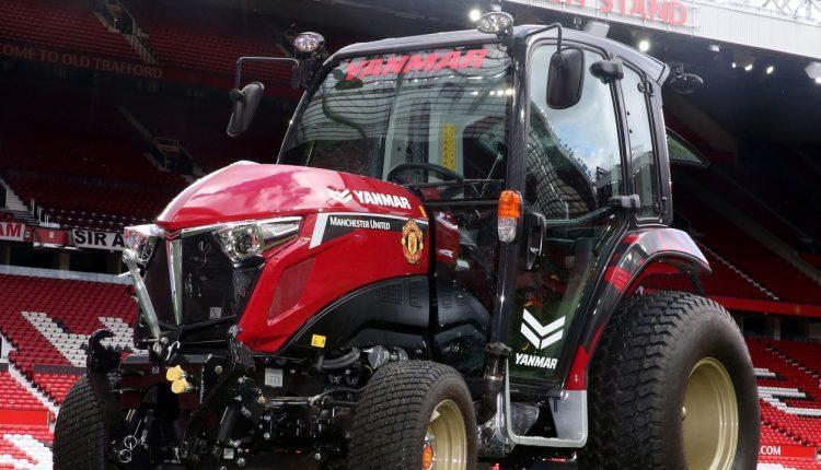 Manchester United, tractor, alexis sanchez