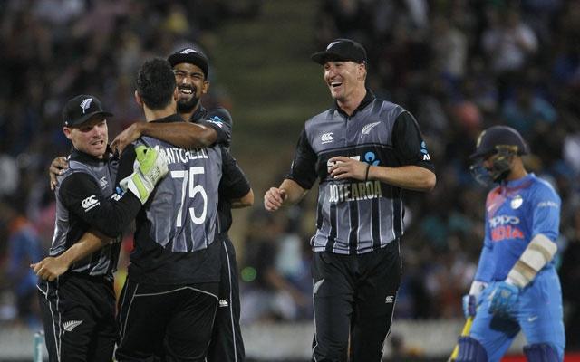 ভারতকে ৪ রানে হারিয়ে পাকিস্তানের রেকর্ড ছুতে দিলোনা কিউইরা