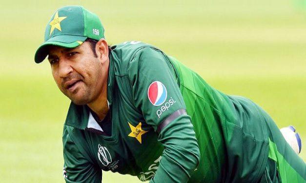 সরফরাজকে সরিয়ে পাকিস্তান দলে নতুন টেস্ট অধিনায়ক